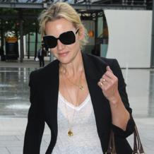 Kate Winslet wearing Riva pendant